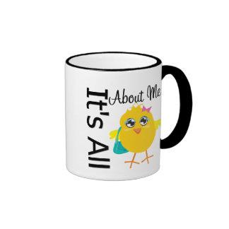 Su todo alrededor yo polluelo taza de café