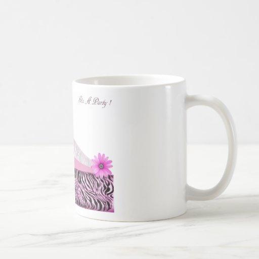 su una cebra del rosa del fiesta taza básica blanca