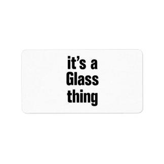 su una cosa de cristal etiqueta de dirección