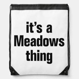 su una cosa de los prados mochila