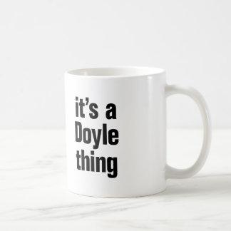 su una cosa del doyle taza clásica
