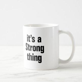 su una cosa fuerte taza