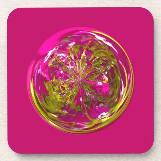 Su una flor púrpura y amarilla en el globo posavasos de bebidas