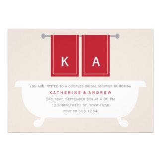 Su y el suyo ducha nupcial de las toallas roja invitaciones personalizada