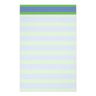 Suavemente verde y modelo rayado del bígaro papeleria de diseño
