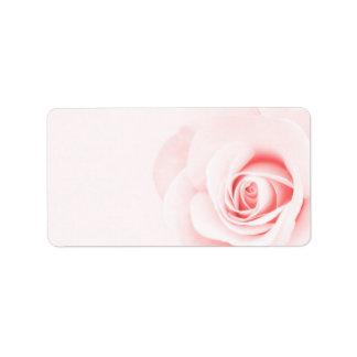 Suaves hermosos palidecen - la flor color de rosa  etiqueta de dirección
