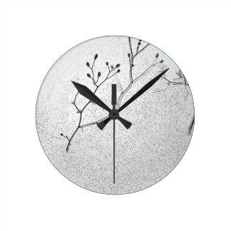 Suavidad del invierno reloj redondo mediano