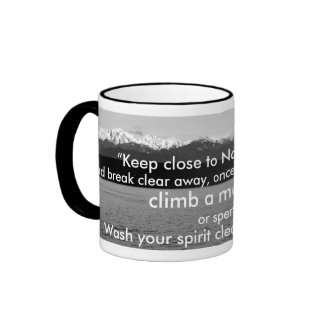 Suba una montaña tazas de café
