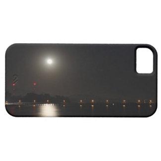 Subida de la Luna Llena iPhone 5 Carcasa