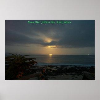 Subida de la luna sobre Supertubes, J-Bahía, Suráf Póster