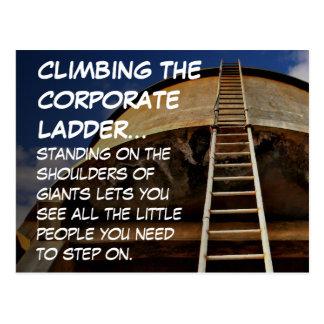 Subir la escalera corporativa da perspectiva tarjetas postales