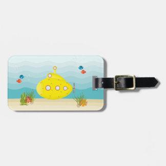 Submarino del amarillo del mar profundo etiquetas de maletas