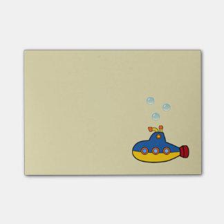 Submarino del juguete con 3 burbujas del agua nota post-it®