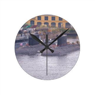 Submarinos de ataque soviéticos reloj redondo mediano