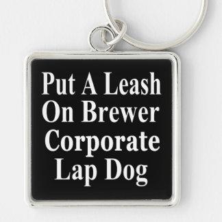 Subordinado corporativo malvado del cervecero de e llavero cuadrado plateado
