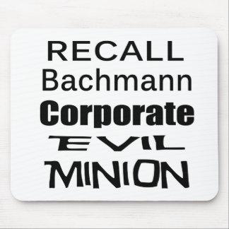 Subordinado malvado corporativo de Micaela Bachman Mousepads