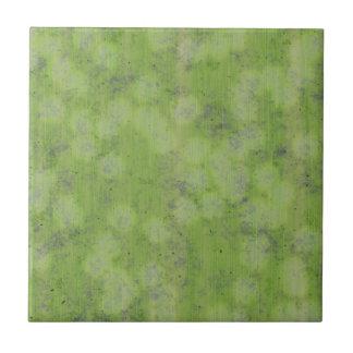 SUBTLE GREEN DESIGN SMALL SQUARE TILE