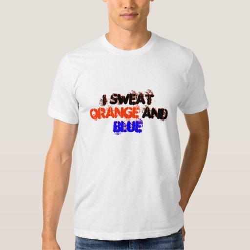 Sudé la camisa azul y anaranjada para las fans del