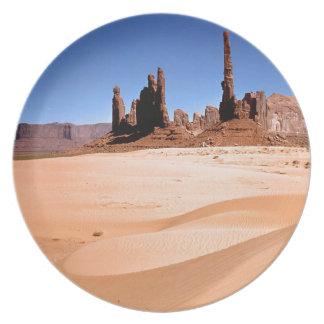 Sudoeste de los monumentos de los desiertos platos para fiestas
