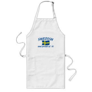 Sueco y orgulloso delantal largo