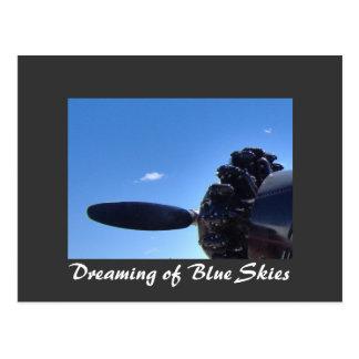 Sueño con la postal de los cielos azules
