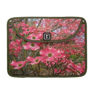 ¡Sueño con las floraciones rosadas del Dogwood en Fundas Para Macbook Pro
