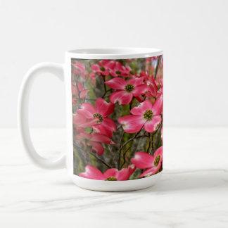 ¡Sueño con las floraciones rosadas del Dogwood en  Tazas De Café