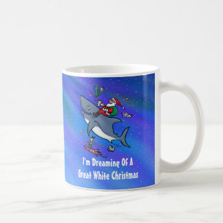 Sueño con navidad el gran de un tiburón blanco taza clásica