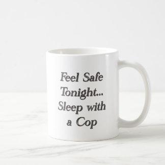 sueño con un poli tazas
