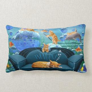 Sueño de fantasía subacuática del gato de Tabby Cojín Lumbar