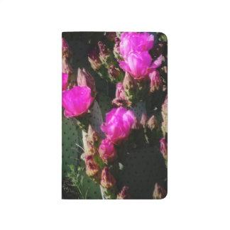 Sueño de la floración en magenta cuaderno