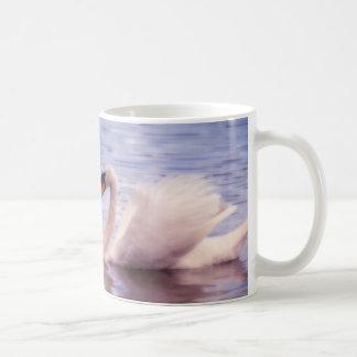 Sueño del amor del cisne taza