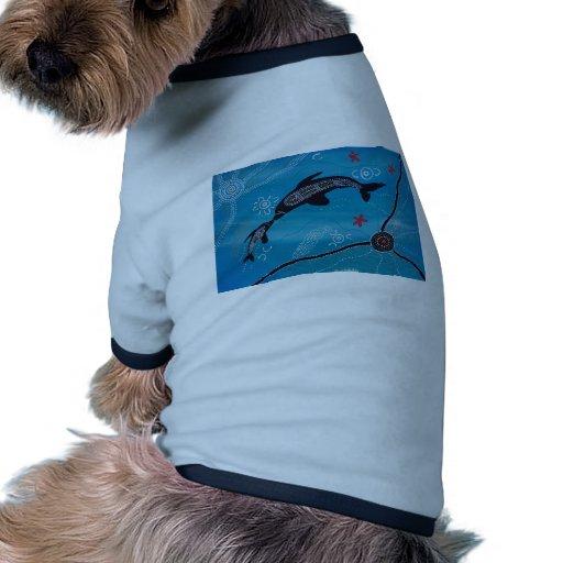 Sueño del delfín y del becerro camiseta de mascota