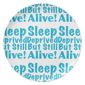 Sueño privado pero aún vivo en azul plato