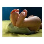 Sueños de los pies del bebé tarjeta postal