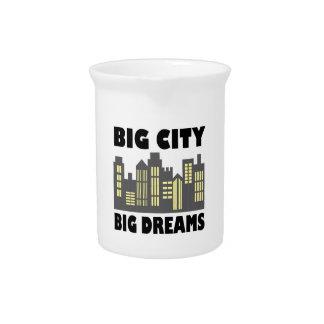 Sueños grandes de la ciudad grande jarra