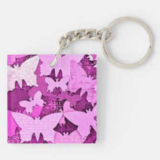 Sueños rosados de la mariposa llavero cuadrado acrílico a doble cara