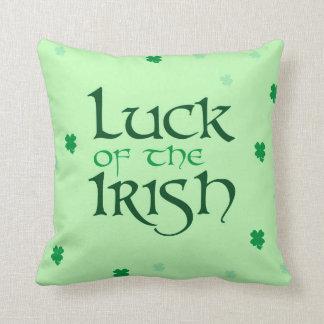 Suerte de la almohada de tiro irlandesa