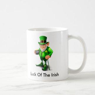 Suerte de la taza irlandesa del Leprechaun