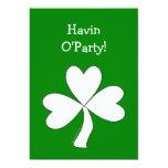 Suerte irlandesa del día de St Patrick blanco del Comunicados