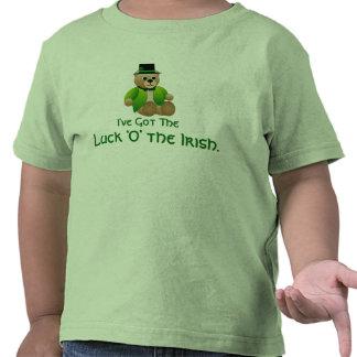 """Suerte """"O"""" la camiseta irlandesa del niño del oso"""