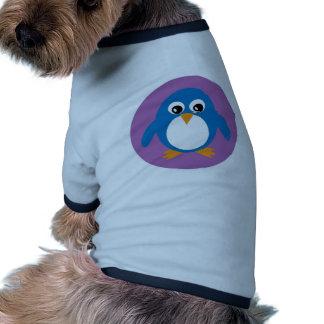 Suéter azul del perro del pingüino lindo camiseta de perrito