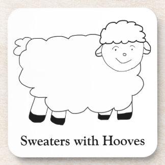 Suéteres con los enganches posavasos de bebidas
