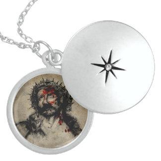 suffering jesus silver necklace