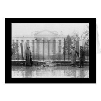 Suffragettes y una hoguera en la Casa Blanca 1919 Tarjetón