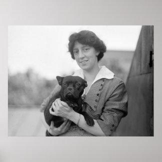 Sufragista con el dogo francés, 1915 impresiones