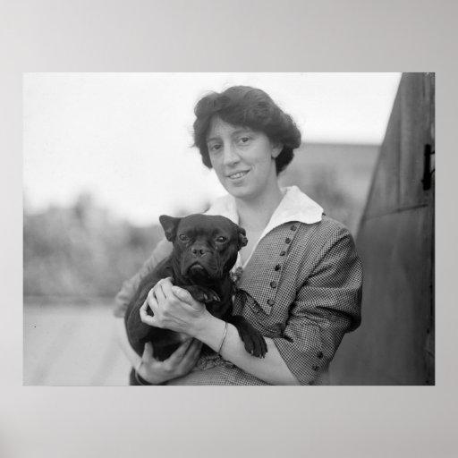 Sufragista con el dogo francés, 1915 póster