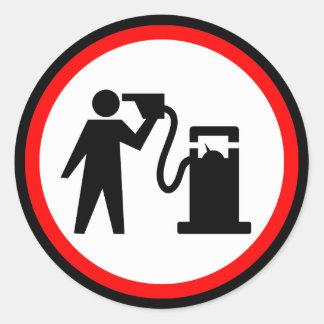Suicidio de la gasolina pegatina redonda