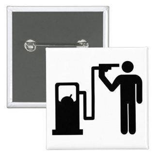 Suicidio por la gasolina pin cuadrada 5 cm