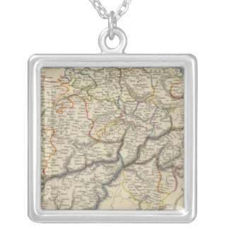Suiza 5 collar plateado